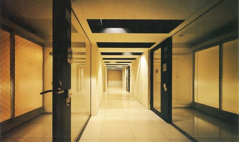 M+FLATS廊下